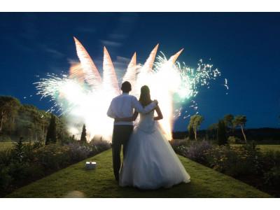 Зрелищное дополнение торжества: красочные фейерверки